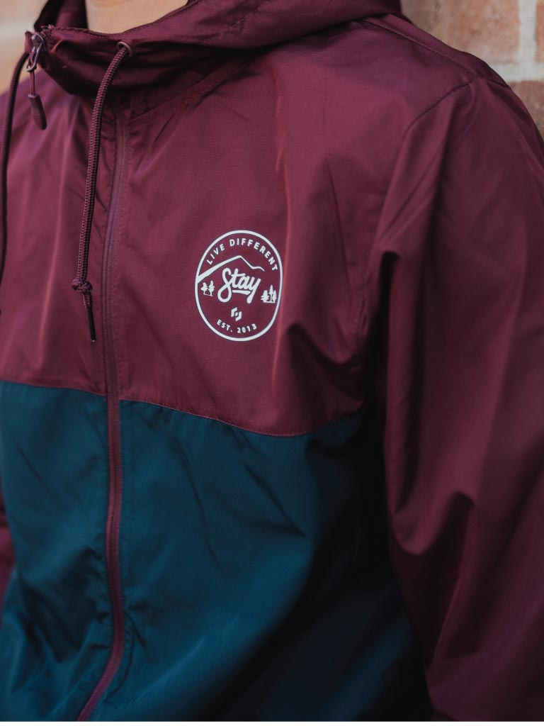 LIVE DIFFERENT WINDBREAKER - MAROON/NAVY