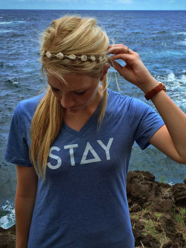 STAY WOMEN'S V-NECK - HEATHER BLUE