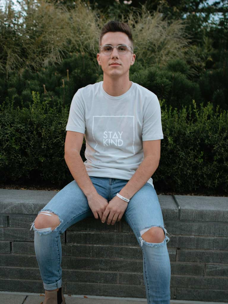 STAY KIND TEE - LIGHT GRAY (MENS/UNISEX)