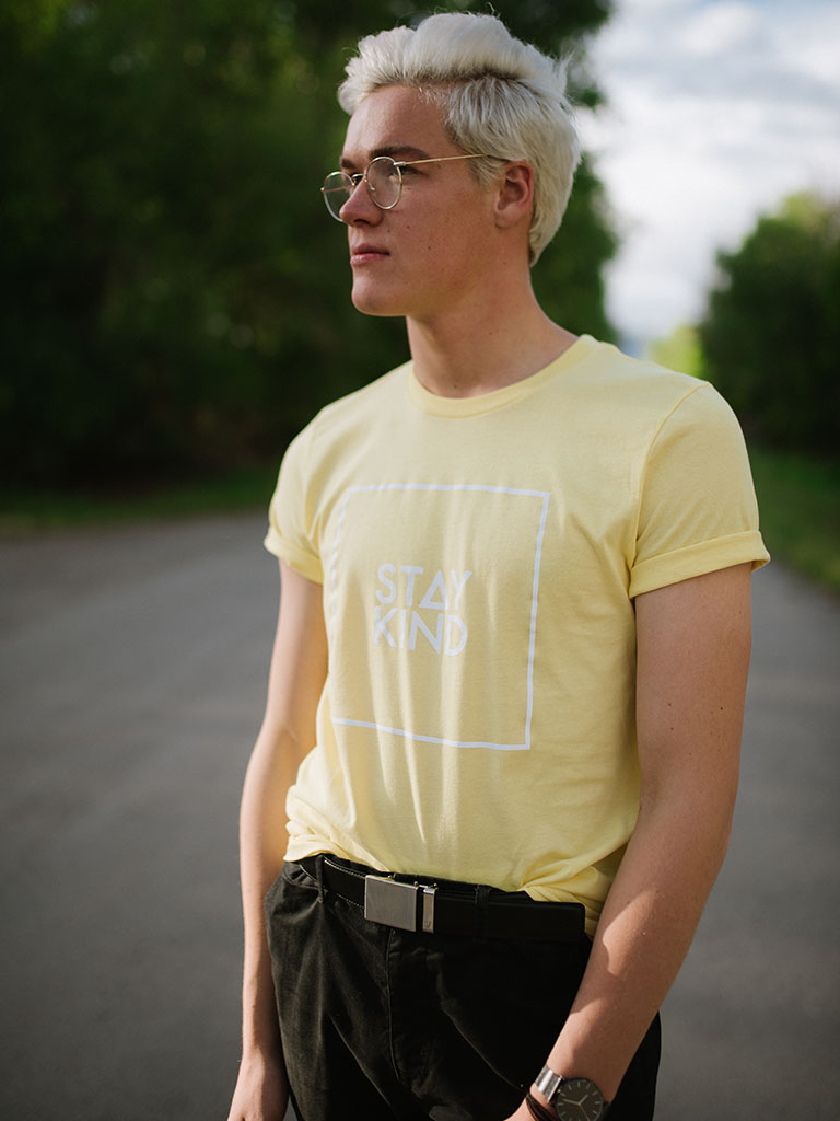 Stay Kind Tee - Yellow
