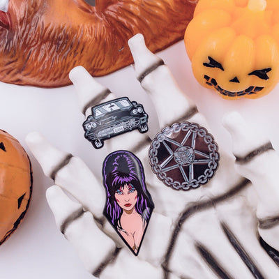 ELVIRA™ - ENAMEL PIN SET