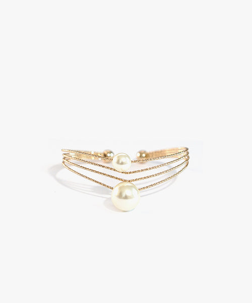 Akeis Faux Pearl Bangle