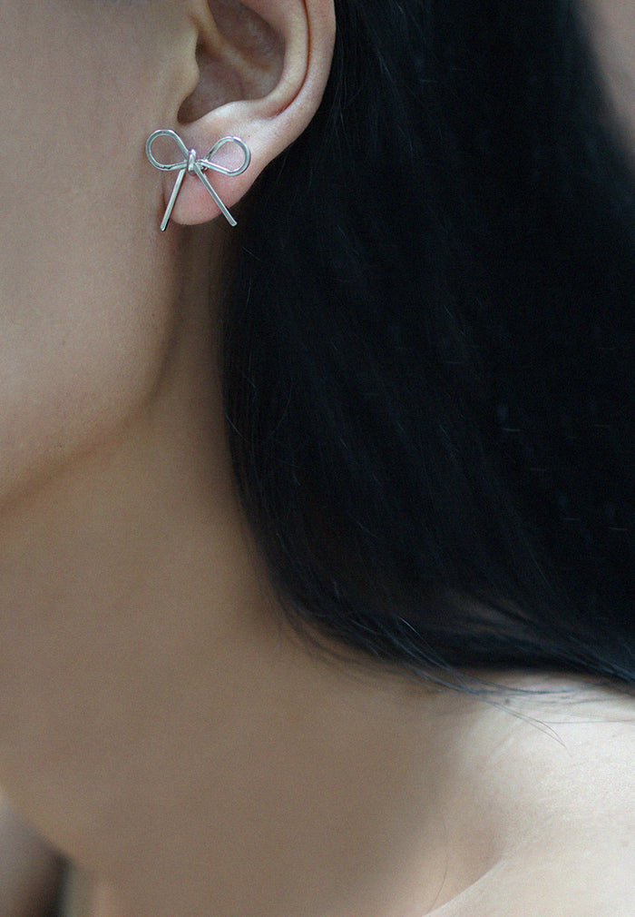 Alle Ribbon Earrings (Silver)