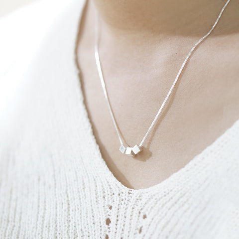 Hyora Delicate 925 Necklace