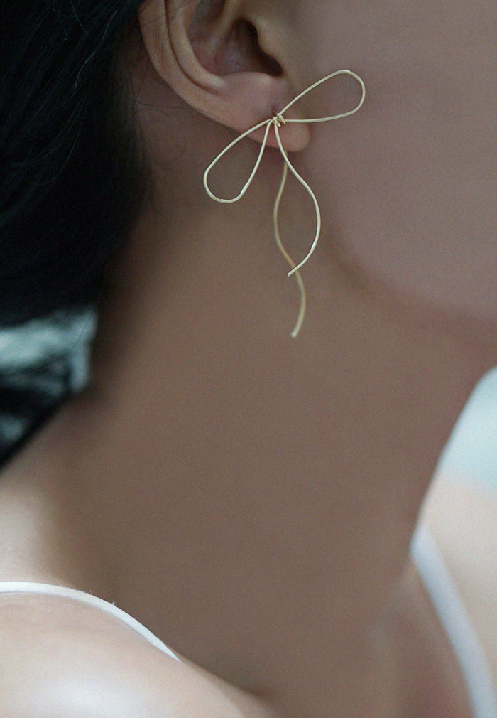 Ianna Oversized Ribbon Statement Earrings