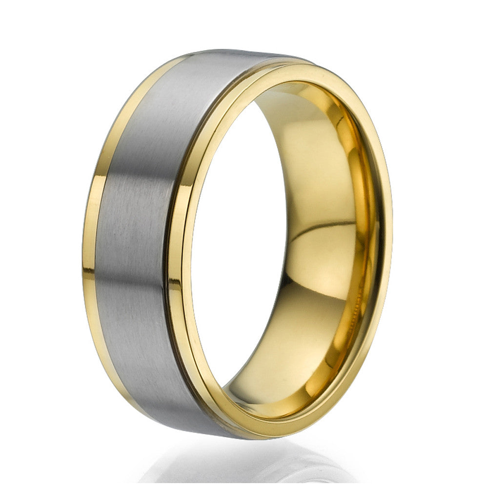 8mm Ring plated with yellow gold with a stylish wide titanium band