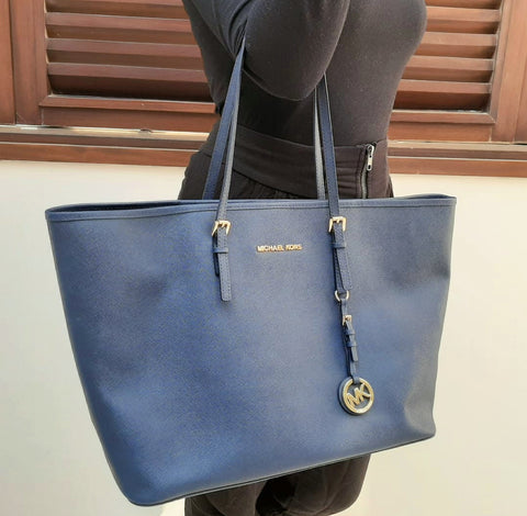 MICHAEL KORS JET SET NAVY SAFFIANO LEATHER TOTE