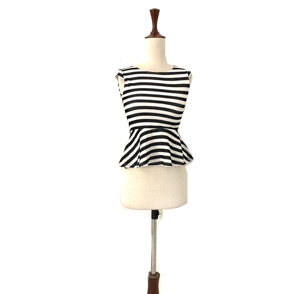 River Island Black & White Top | Gently Used |