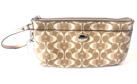 Coach Peyton Tan Large Wristlet Wallet Clutch | Gently Used |
