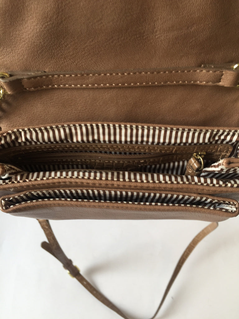 Nine West Beige Cross Body Bag | Gently Used | - Secret Stash
