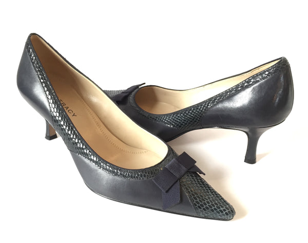 Ellen Tracy Navy Blue Pointed Pumps | Gently Used |
