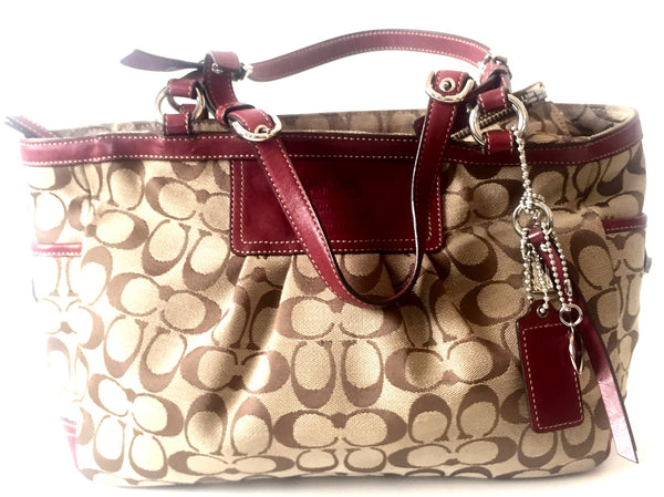 Coach Signature Collection Canvas with Leather Trim Shoulder Bag | Pre Loved | - Secret Stash