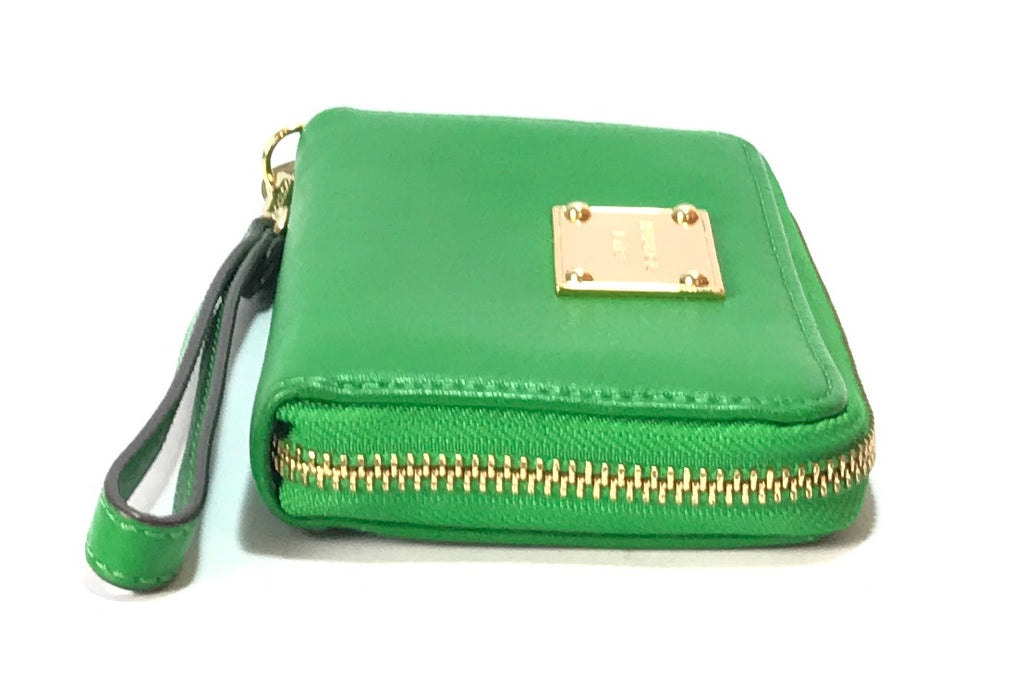 Michael Kors Parrot Green Wallet | Like New |