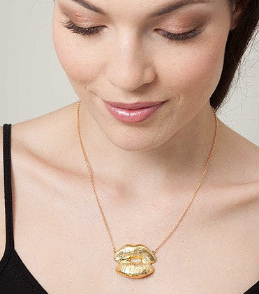 Elephant Heart - Kiss Gold Necklace | Brand New | - Secret Stash