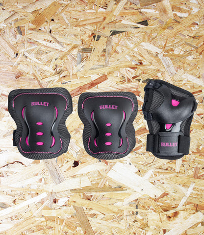 Bullet, Triple, Padset, Blast, V2, Junior, 3-6 Years, Black, Pink, Anatomically shaped, high resistant, anti-abrasive vented PP shell, Durable polyester, breathable mesh construction, Extra shock absorbing, EPE foam, Anti-Odor soft cushion inner,  Adjustable straps, D-Rings, secure fit,  Conformity: EN14120,  XXS, Ages 3-6 Years, Level Skateboards, Brighton, Skate Shop, Independent