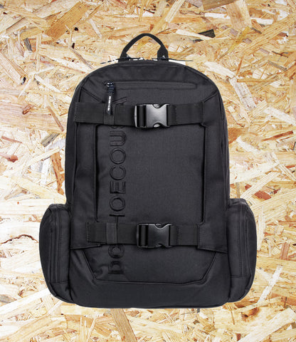 DC Shoes, Chalker, 28L Backpack, Black, External skate straps, Top small external accessory pocket, Padded and suspended laptop sleeve, Rear air mesh padding, Interior accessory organiser, Vertical embroidery, Brighton, Skate Shop, Level Skateboards, Independent