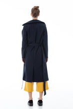 Load image into Gallery viewer, Black and elegant trench coat
