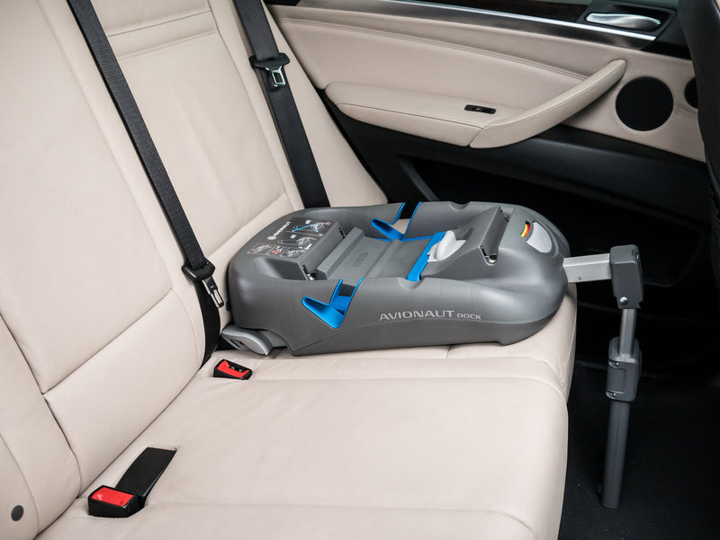 Avionaut DOCK isofix base in the car