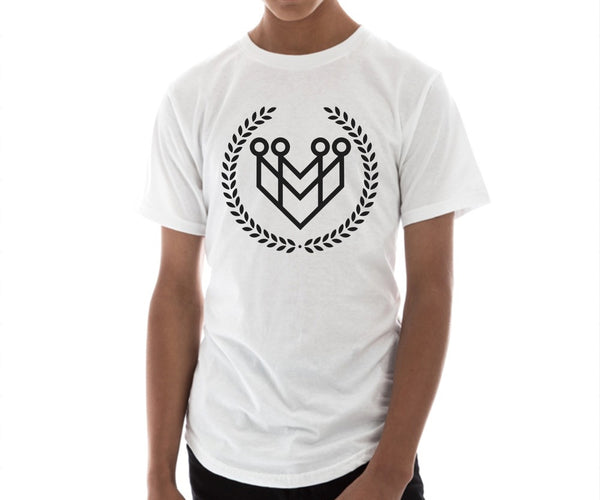 CLASSIC LOGO CURVED HEM TEE - WHITE - Made4Mankind Clothing