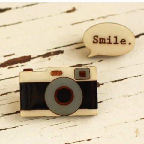 BOK BOK B'GERK 'CAMERA SMILE' BROOCH