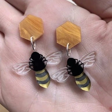 what willow did 'honey bee earrings'