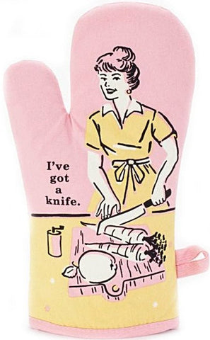 blue q oven mitt 'i've got a knife'