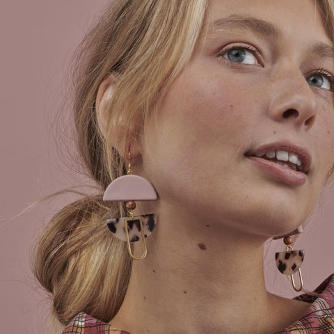 middle child earrings 'helm' pink, natural