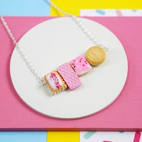 saturday lollipop necklace 'biscuit'