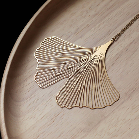 MOORIGIN 'GINKGO LEAF' PENDANT NECKLACE GOLD LGE