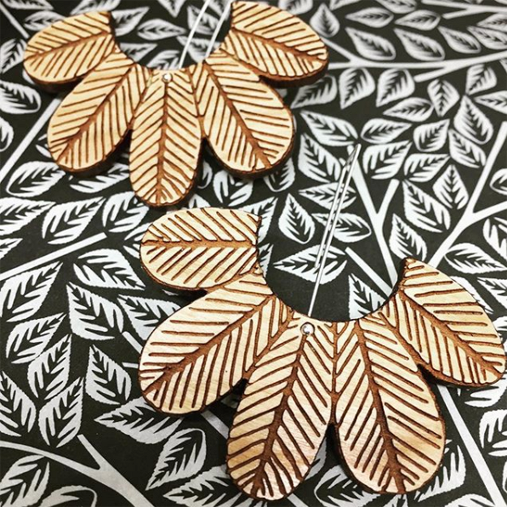 this wee piggy earrings 'tropicana' cherrywood