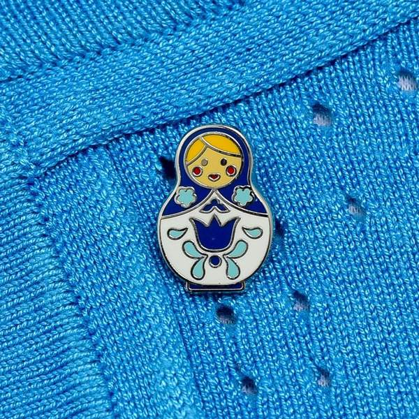 erstwilder enamel pin 'matryoshka memories' blue large