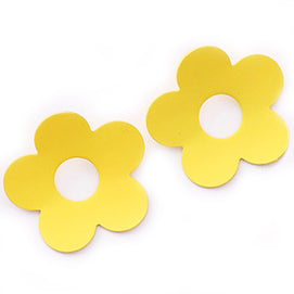 sugar earrings 'hollow curved daisy' yellow - the-tangerine-fox