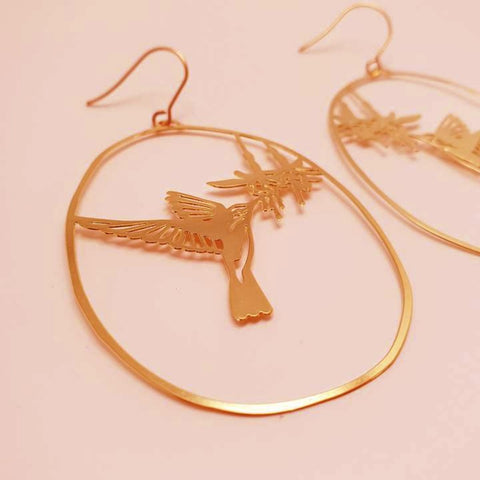 denz & co. earrings 'hummingbird dangles' gold