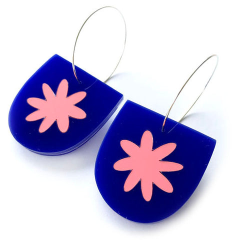 each to own earrings 'flora yoo hoops' blue & coral pink