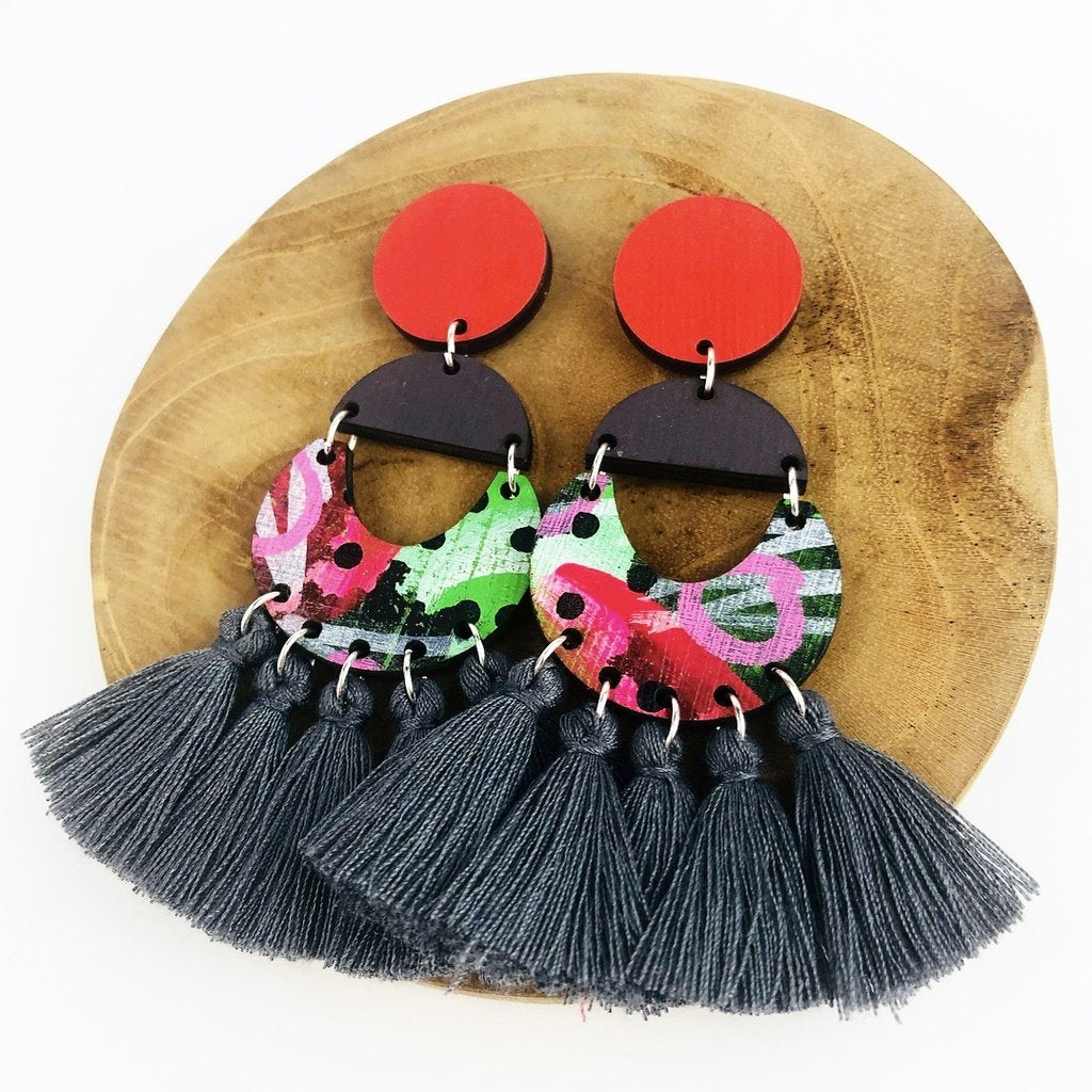 bee earrings 'classic bee abbott drops' dark grey tassels