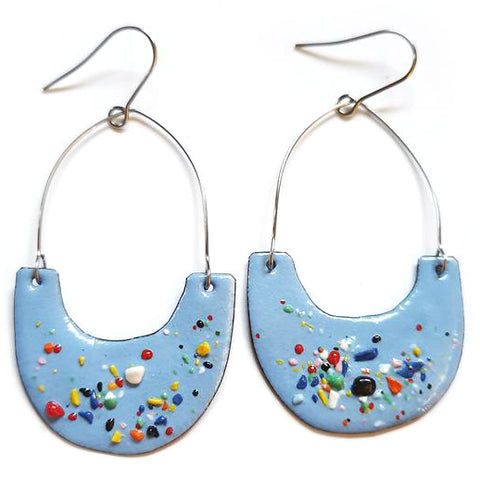 denz & co. earrings 'upside dangles' pale blue