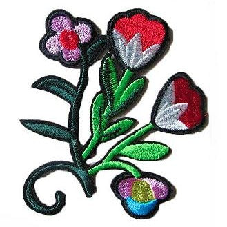 embroidered patch 'red & white flowers'