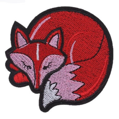 embroidered patch 'sleeping fox'
