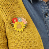 laya amber brooch 'sunflower posy'