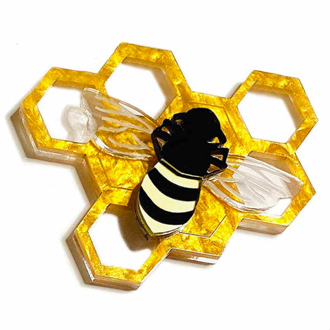 what willow did brooch 'honeycomb & bee'