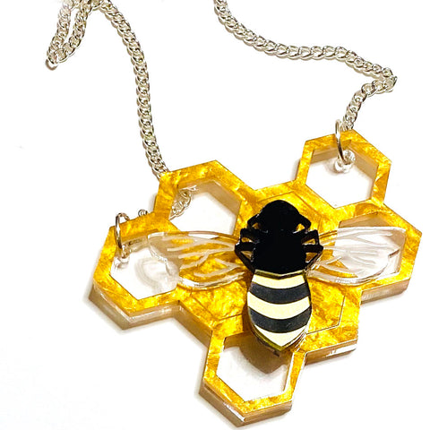what willow did necklace 'bee & honeycomb'