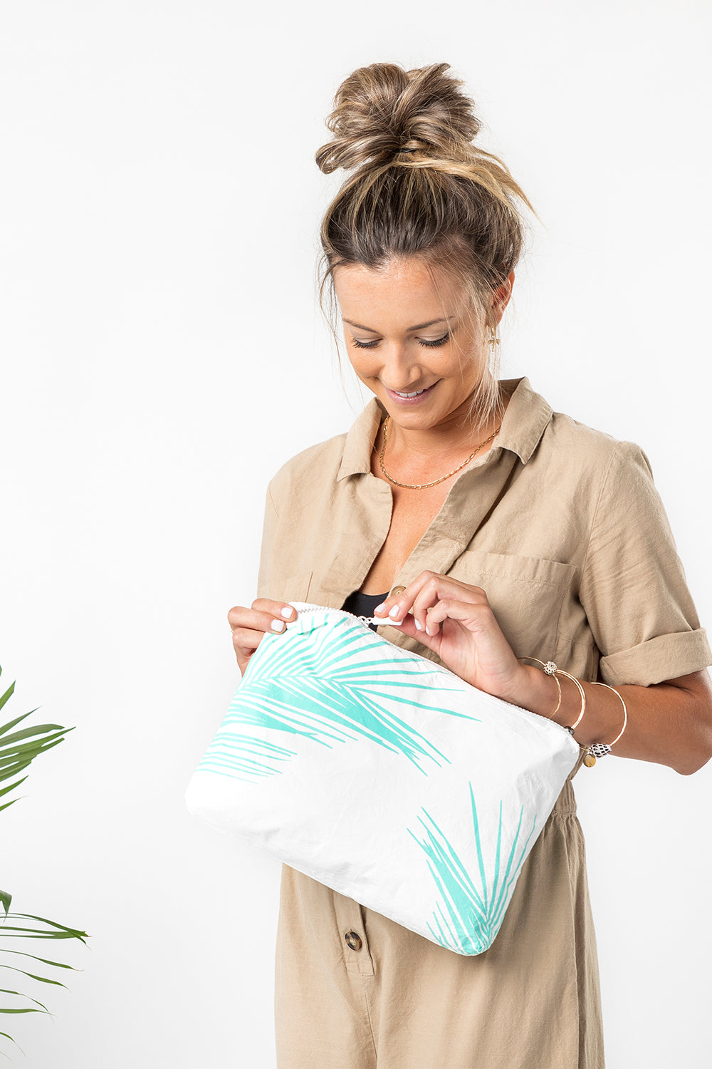 ALOHA Collection Mid Fronds Pouch in Neon Turquoise