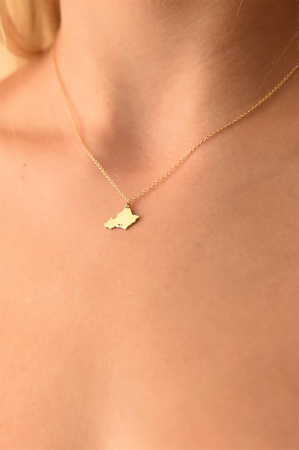 BYCHARI Oahu Necklace in Gold Fill