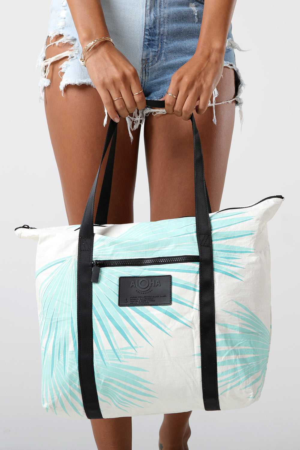 ALOHA Collection Zipper Tote in Tropical Fan Palm