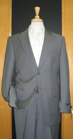 Jones New York 2 Button Peak Lapel Grey Pinstripe Flat Front Suit