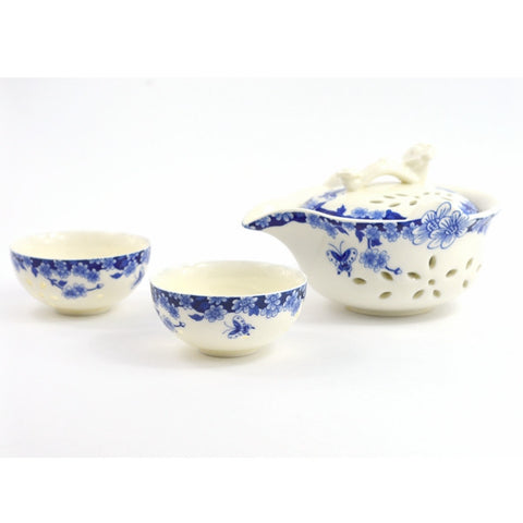BLUE AND WHITE CHINA GAIWAN