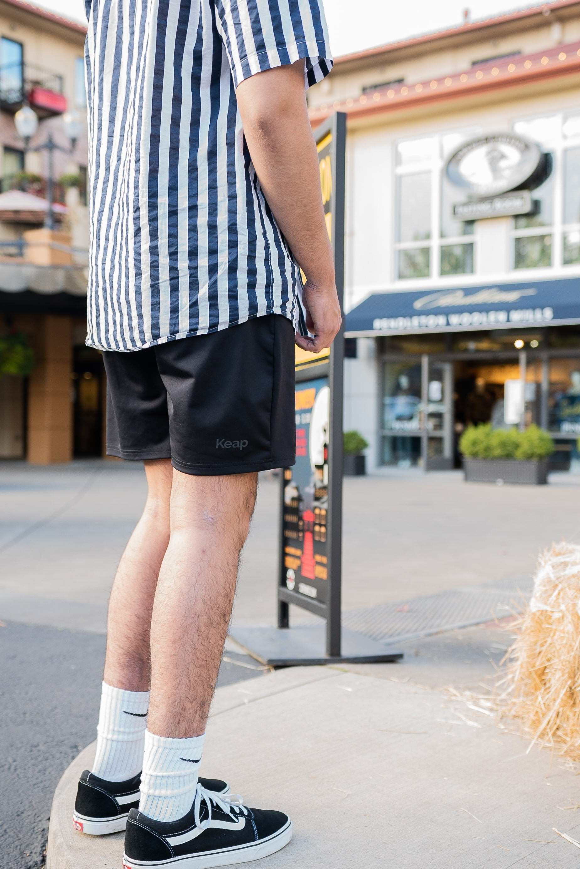 essential shorts with pockets