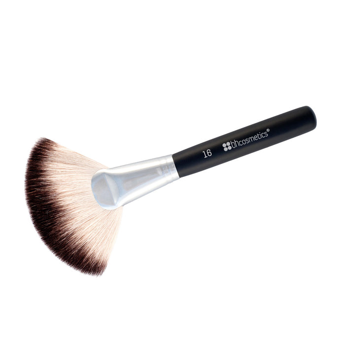 BHcosmetics Deluxe Fan Brush
