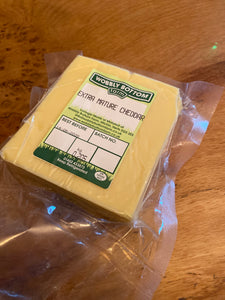 Wobbly Bottom Farm Mature Cheddar 190g