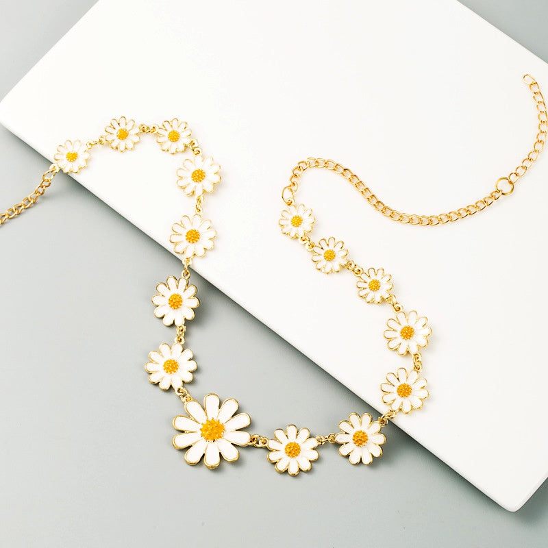 "The ""Daisy Girl"" Necklace"